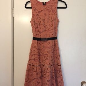 CUE Size 6 CAMPAIGN LACE DRESS LOVER in ROSE GOLD Salmon pink with black BELT